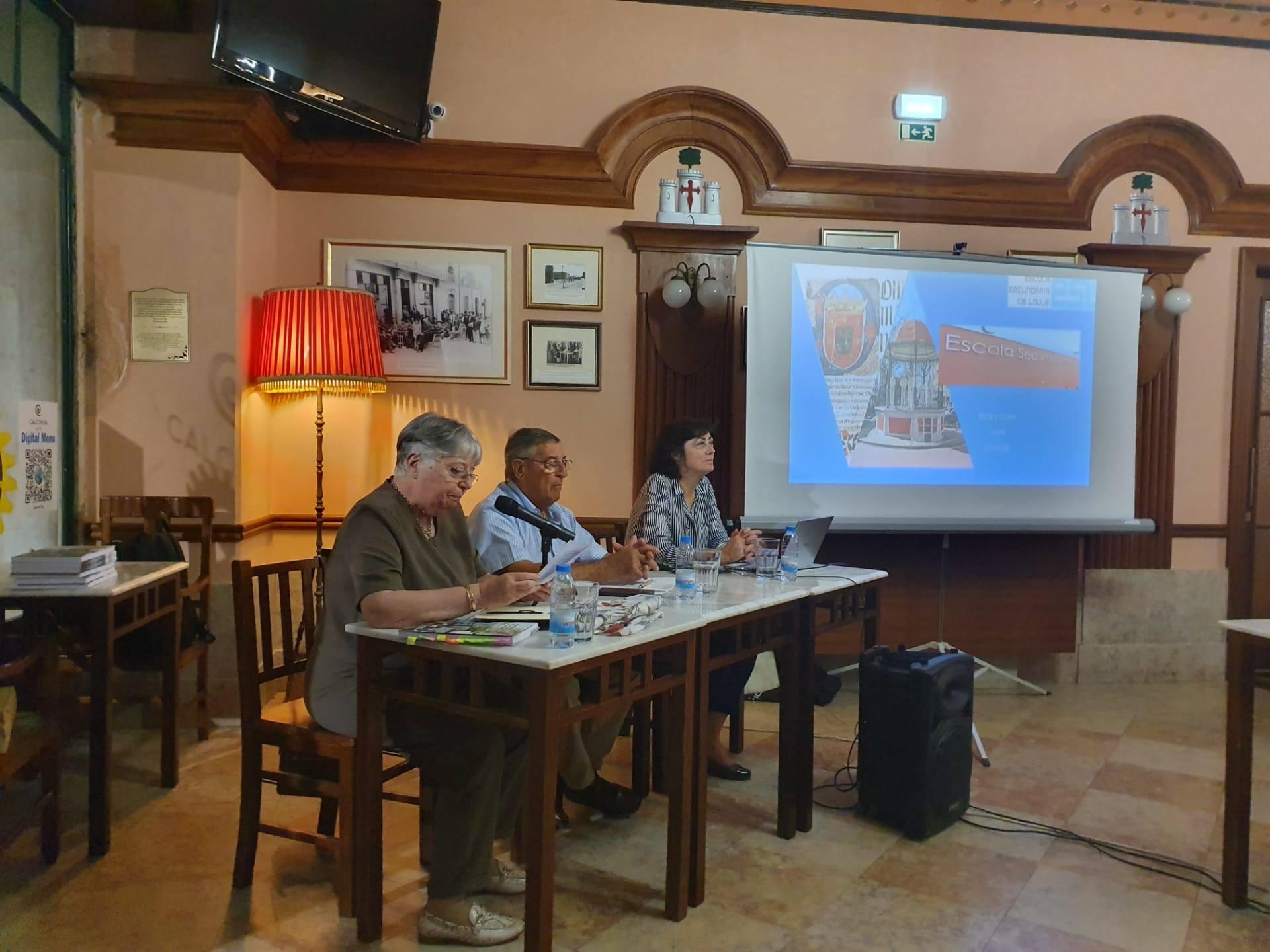 Palestra realizada pela Professora Renata Afonso
